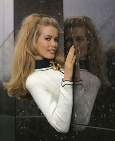 Claudia Schiffer for Chanel advertising campaign 1992. Photographer Karl Lagerfeld.