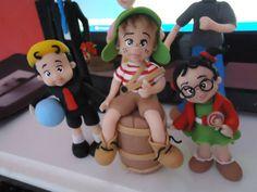 personagens de biscuit de10 a 15 cm de altura R$ 150,00 Polymer Clay Sculptures, Sculpture Clay, Polymer Clay Projects, Polymer Clay Creations, Fondant Figures, Porcelain Clay, Pasta Flexible, Cake Tutorial, Elmo
