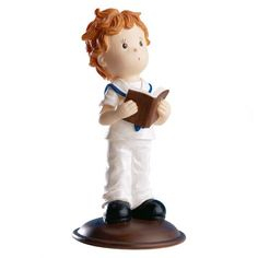 Para la tarta de comunión esta figura de niño es perfecta. Simpática figura de un niño despeinado, vestido de marinero y con una biblia en las manos