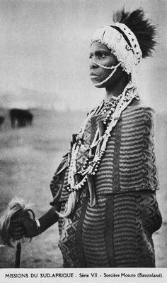 "Africa   ""Série VII - Sorcière Mosuto (Basutoland)"". ca. early 20th century   Vintage postcard; publisher Missionnaires Oblats de Marie-Immaculée"