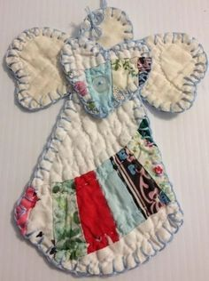 Top Diy Wall Organizer Ideas Quilten Top Diy Wall Organizer Ideas For Begginers Old Quilts, Vintage Quilts, Quilting Projects, Sewing Projects, Quilting Ideas, Hand Quilting, Fabric Crafts, Sewing Crafts, Quilted Ornaments