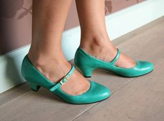 oh yay.. i love these shoes!!!!   <3 Gorgeous mint coloured shoes by Spanish/Japanese designer Chie Mihara.