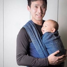 Do these two look as if they've got the blues? • Phil and Kyler (9 months) • Blues hemp Indio. We've got a few left in stock. #didymos #wearallthebabies #babywearing #babywearingdad #babywearingshop #thebabywearingshop #didylove #blueshempindio #bluewraps #wovenwraps #daddywearing #littlezenone #nofilter #dadswhowear