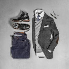 Loving this business casual look from @matthewgraber right down my alley Follow @runnineverlong for more inspiration #layers #fallfashion