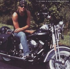 Keith Urban. Nice pic.