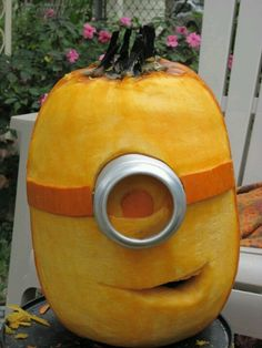 Dispicable me pumpkin- I must do this for Halloween!