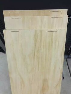 Post with 88 votes and 192496 views. Shared by cfinke. A tilt-out garbage and recycling cabinet. Recycling Storage, Trash And Recycling Bin, Trash Bins, Recycling Center, Recycling Ideas, Garbage Can Storage, Trash Can Cabinet, Craft Cabinet, Cabinet Plans