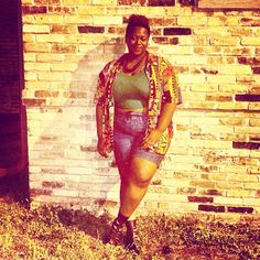 quayla_venezuela's photo on Instagram. Crop top. vintage shirt. Highways shorts. Caged. sandals. Forever 21. Natural hair. Plus size.