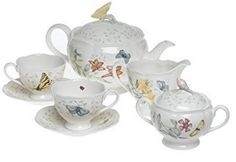 Bring elegance back to your teatime with this beautiful Butterfly Meadow Tea Set from Lenox. This tea set includes a tea pot, a creamer, a sugar bowl, 2 cups, and 2 saucers that are great for a relaxing time for two. White Butterfly, Butterfly Pattern, Butterfly Table, Lenox Butterfly Meadow, Tee Set, China Tea Sets, Tea Pot Set, Tea Service, Decorate Your Room