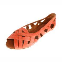 La Garconne Shoes, Doreen, #doreen #lagarconne #lagarconneshoes #switzerland #swissdesign #swiss #schweiz #schuhe #branding #shoes #summer #summersandals #summershoes #spring #springshoes #springsandals #sand #sandybeach #fashion #shoedesign #riverside #branding #shoebrand #doreen Spring Sandals, Spring Shoes, Summer Shoes, Swiss Design, Spring Summer 2018, Elegant, Shoe Brands, Designer Shoes, Coral