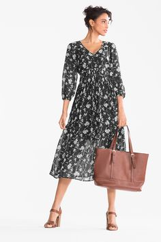 Empire dress now at the C&A online shop – Fast delivery✓ Top quality✓ Great prices✓ Empire, Coton Biologique, Mode Vintage, Types Of Sleeves, New Day, Floral Design, Casual Dresses, Cashmere, Cold Shoulder Dress