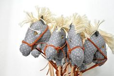Mini Stick Horse Favors- Hobby horse- Party favors- Baby shower favors- 20 pcs - http://www.babyshower-decorations.com/mini-stick-horse-favors-hobby-horse-party-favors-baby-shower-favors-20-pcs.html