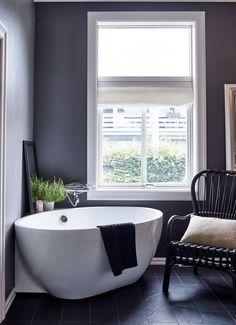 After grey bathroom ideas? Grey bathrooms are very popular right now. Take a look at these fabulous dream bathroom schemes for grey bathroom inspiration Grey Bathrooms, Bathroom Renos, Beautiful Bathrooms, Bathroom Interior, Bathroom Remodeling, Kitchen Interior, Modern Bathroom, Bad Inspiration, Bathroom Inspiration