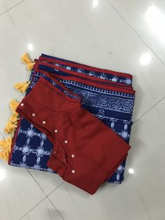 Discover thousands of images about Mirror-worked blouses in da house, ladies! Kindly mail us at bhangthestore for purchase and… Patch Work Blouse Designs, Hand Work Blouse Design, Simple Blouse Designs, Stylish Blouse Design, Kalamkari Blouse Designs, Saree Blouse Neck Designs, Bridal Blouse Designs, Blouse Designs Catalogue, Designer Blouse Patterns
