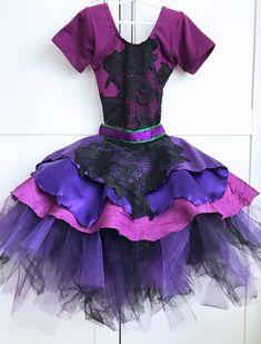 Disney Descendants 2 Costumes: Mal & Evie