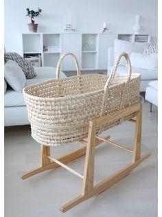 Ophelia - Moses basket
