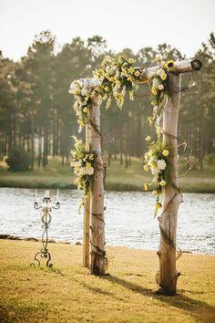 18 Sunflower Wedding Decor Ideas ❤️ See more: http://www.weddingforward.com/sunflower-wedding-decor-ideas/ #weddings #rustic