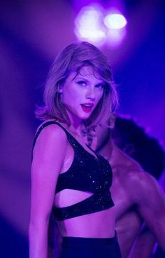 Taylor Swift is the queen of tour surprises