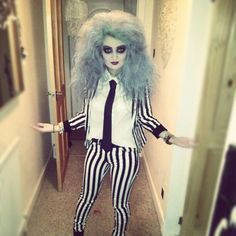 Beetlejuice is and stays a classic Halloween Look! Doing this for Halloween this year Best 80s Costumes, 80s Halloween Costumes, Halloween Cosplay, Halloween Outfits, Cosplay Costumes, Halloween Party, Beetlejuice Halloween, Easy Halloween, Female Beetlejuice Costume