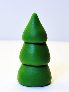 Judy's Cakes: Christmas Tree Tutorial #6