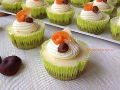 VÍKENDOVÉ PEČENÍ: Mrkvové mini cheesecake