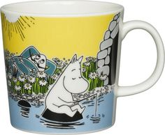 Moomin summer season mug only made as a limited set. Available in April Made in Finland! The design is taken from the Moomin falls in love in the comic album Moomin Shop, Moomin Mugs, Tove Jansson, Marimekko, Yellow Background, Ceramic Mugs, Finland, The Book, Coloring Pages