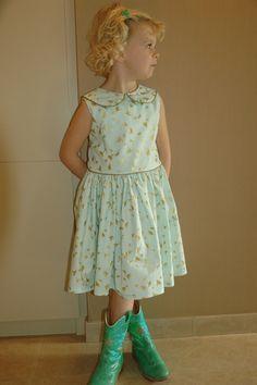 michael miller stoffen - Google zoeken Michael Miller, Kids Fashion, Summer Dresses, Sewing, Gold, Dressmaking, Summer Sundresses, Couture, Stitching