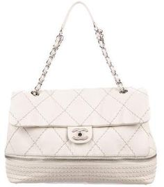 7e30764a2c5297 2019的Chanel Limited Edition Pink Quilted Lambskin Leather Medium ...