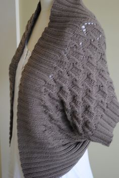Ravelry: the wrap by Monica Welle Brown