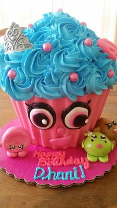 Shopkins giant cupcake!