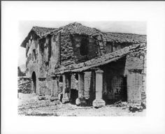 Ruins of the front of the church and bell tower of Mission San Fernando, California, ca.1875. http://digitallibrary.usc.edu/cdm/ref/collection/p15799coll65/id/14866