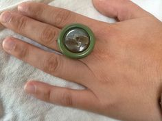 Anello fatto con bottoni vintage