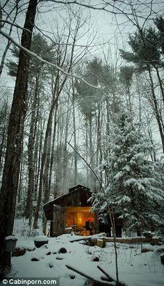 I love Bolton Landing. sugar cabin in backwoods of bolton landing, NY Ideas De Cabina, Winter Szenen, Winter Cabin, Snow Cabin, Cozy Cabin, Winter Light, Cozy Cottage, Bolton Landing, Little Cabin