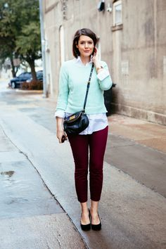 unique combination of color. burgundy with mint..... I like it!
