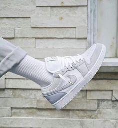 Air Jordan Sneakers, Air Jordan 3, Sneakers For Sale, Sneakers Nike, Jordan 1 Low, Tenis Jordan Retro, Zapatillas Jordan Retro, Cute Nike Shoes, Nike Air Shoes