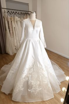 Custom-designed bridal dress with satin and embroidery creates a perfect contrast on the ball gown silhouette. Perfect for a winter wedding ceremony or grand entrance. Winter Wedding Ceremonies, Wedding Ceremony, Silk Satin, Satin Fabric, Custom Wedding Dress, Grand Entrance, Bridal Dresses, Ball Gowns, Evening Dresses