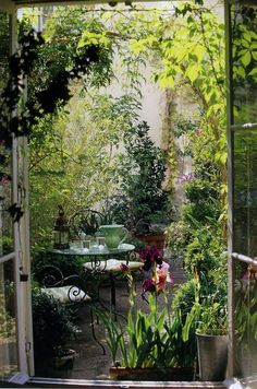 A relaxing-looking patio for afternoon tea.