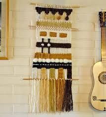 telar mural decorativo - Buscar con Google Julie Robert, Textiles, Weaving Projects, Yarn Ball, Woven Wall Hanging, Tapestry Weaving, Rustic Industrial, Loom, Macrame