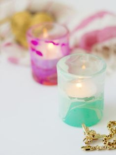 Use Nail Polish to Create Marbled Votives : Page 02 : Decorating : Home Garden Television Cute Crafts, Diy And Crafts, Diy Projects To Try, Craft Projects, Nail Polish Crafts, Craft Corner, Camping Crafts, Diy Candles, Craft Videos