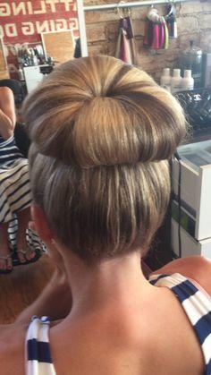 Big Updo, Big Bun, Sleek Hairstyles, Down Hairstyles, Wedding Hairstyles, High Bun Wedding, Donut Bun, Sleek Updo, Tin Man