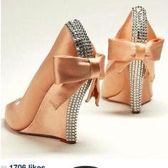 Ve esto y más en el blog de moda del momento.. www.tuguiafashion.com