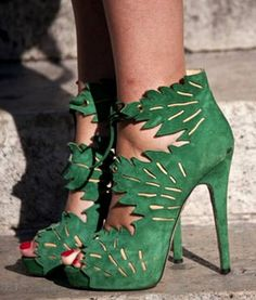 charlotte olympia green heels: These are perfect IVY shoes! Charlotte Olympia, Fashion Week Paris, Crazy Shoes, Me Too Shoes, Street Style Shoes, Green Heels, Clutch, Beautiful Shoes, Fashion Shoes