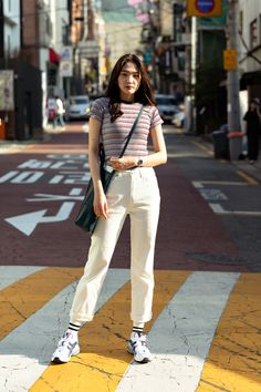 Second story of Seoul women's street style in spring of 2019 – écheveau Korean Outfit Street Styles, Korean Casual Outfits, Trendy Fall Outfits, Asian Street Style, Simple Outfits, Street Style Women, Cute Outfits, Korean Spring Fashion Street Styles, Korean Spring Outfits