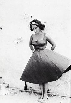 Elizabeth Taylor on the set ofSuddenly,Last Summer, 1959.