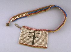 Zulu necklace with flat pendant. Collected 1893-1902