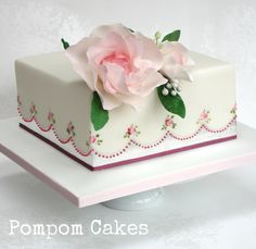 Silver and roses - Cake by PompomCakes