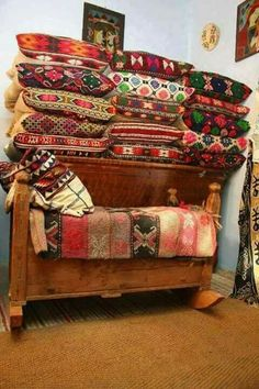 Home Design, Interior Design, Romania Travel, Rural House, Folk Clothing, Folk Fashion, Traditional Interior, Good Wife, Perfect World