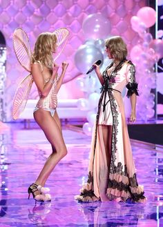 Taylor Swift and Karlie Kloss at the VS Fashion Show 2014 | POPSUGAR Celebrity @EstellaSeraphim