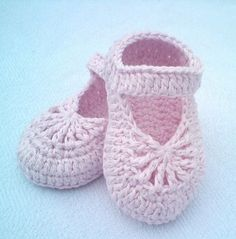 [Free Pattern] Easy-To-Make Lovely Crochet Shoes For Baby Girl