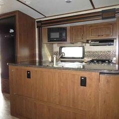 2016 New Jayco WHITE HAWK 33RSKS Travel Trailer in Georgia GA.Recreational Vehicle, rv, 2016 Jayco WHITE HAWK33RSKS, 2nd A/C, 30# LP Gas Bottles, 50AMP Service, Customer Value, Elec Stabilizer Jacks, Entertainment Center W/ Fireplace, Exterior Folding Table, Freestanding Table & Chairs, Front Molded w/LED Headlights Cap, Glacier Package, Power 5-Way Remote, Roof Ladder, Solid Countertop,
